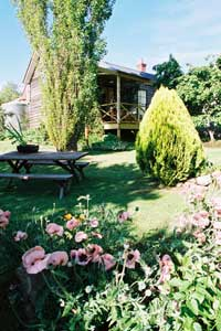 Holyrood House - Accommodation Coffs Harbour