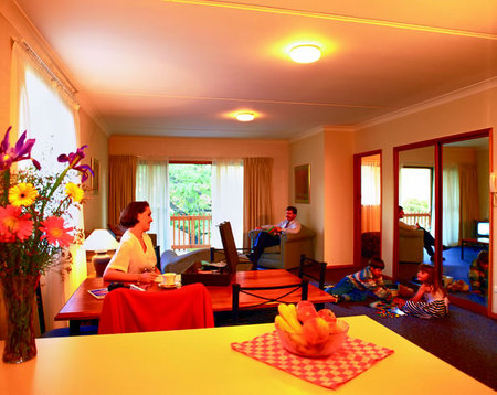 Oxley Court Serviced Apartments - Accommodation Coffs Harbour