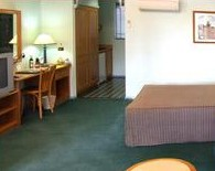 Young Federation Motor Inn - Accommodation Coffs Harbour
