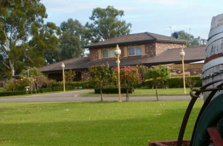 Carriage House Motor Inn - Accommodation Coffs Harbour