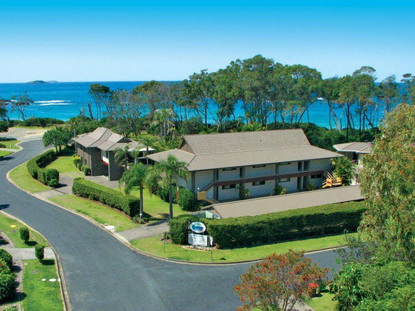 Absolute Beachfront Smugglers on the Beach - Accommodation Coffs Harbour