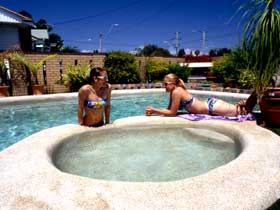 Mackay Motor Inn - Accommodation Coffs Harbour