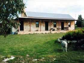 Mt Dutton Bay Woolshed Heritage Cottage - Accommodation Coffs Harbour