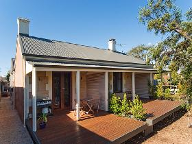 Strathalbyn Villas - Accommodation Coffs Harbour