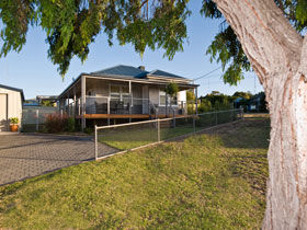 Serenity Holiday House - Accommodation Coffs Harbour