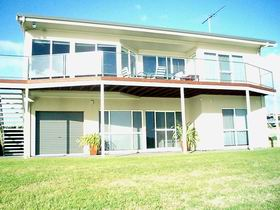 Swanport Views Holiday Home - Accommodation Coffs Harbour