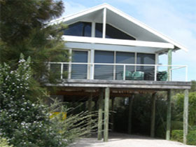Sheoak Holiday Home - Accommodation Coffs Harbour