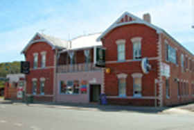 Mackey's Royal Hotel - Accommodation Coffs Harbour