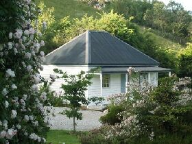 Platypus Cottage - Accommodation Coffs Harbour