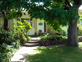 Magnolia Cottage BB - Accommodation Coffs Harbour
