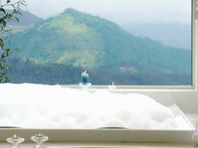 Artisan Spa Views Bed and Breakfast Cottage - Accommodation Coffs Harbour