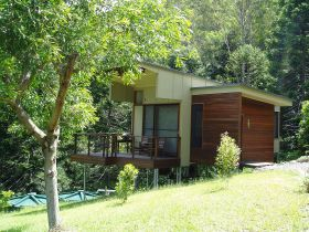 Montville Ocean View Cottages - Accommodation Coffs Harbour