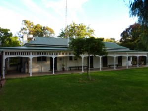 Lake Victoria Station Lodge - Accommodation Coffs Harbour