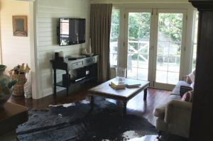 Book Barn Cottage - Accommodation Coffs Harbour