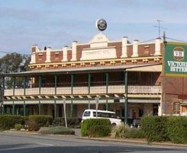 Commercial Hotel Barellan - Accommodation Coffs Harbour