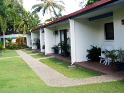 Sunlover Lodge Holiday Units and Cabins - Accommodation Coffs Harbour