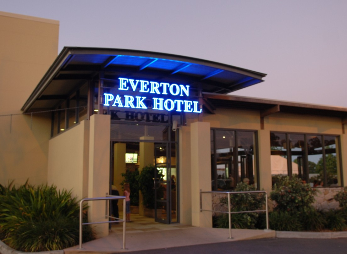 Everton Park Hotel - Accommodation Coffs Harbour