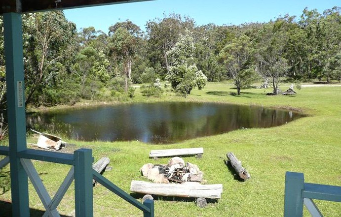 Possums Hollow and Hooters Hut - Accommodation Coffs Harbour