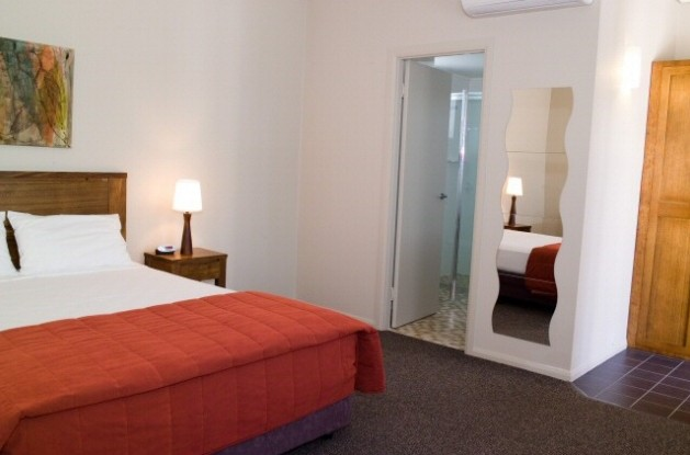 Coachmans Inn Warwick - Accommodation Coffs Harbour