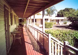 Bottle Tree Gardens Motel - Accommodation Coffs Harbour