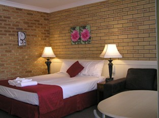 Blue Violet Motor Inn - Accommodation Coffs Harbour