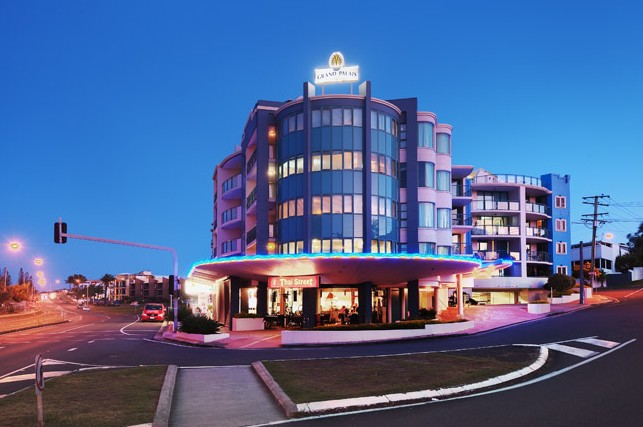 Grand Palais Beachside Resort - Accommodation Coffs Harbour
