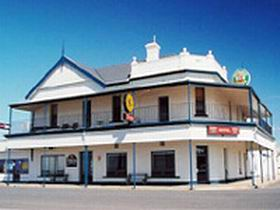 Seabreeze Hotel - Accommodation Coffs Harbour