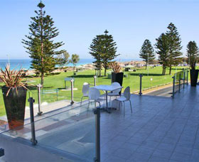 Clarion Suites Mullaloo Beach - Accommodation Coffs Harbour