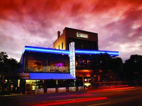 Chalk Hotel - Accommodation Coffs Harbour