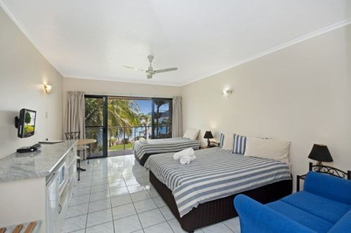Hinchinbrook Marine Cove Motel - Accommodation Coffs Harbour
