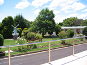 Golden Chain Beachway Motel and Restaurant - Accommodation Coffs Harbour