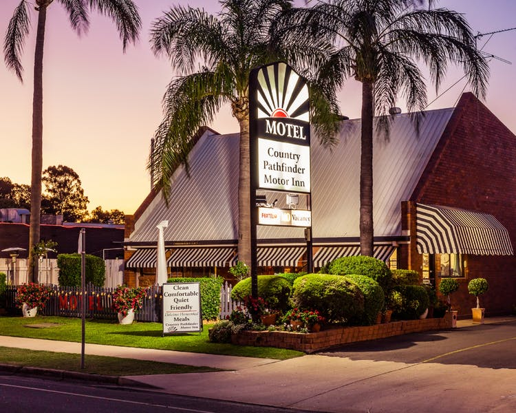 Country Pathfinder Motor Inn - Accommodation Coffs Harbour