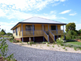 Mary's Garden Cottages - Accommodation Coffs Harbour