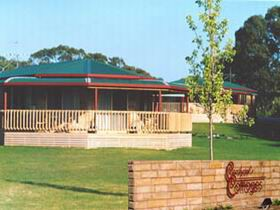Carolynne's Cottages - Accommodation Coffs Harbour