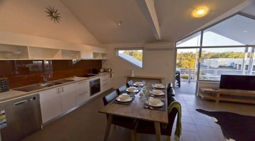 Bo'Vine Holiday Apartment - Accommodation Coffs Harbour