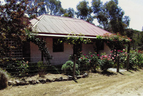 Settlers Cottage - Accommodation Coffs Harbour