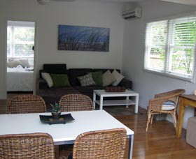 Seaside Cottage - Accommodation Coffs Harbour