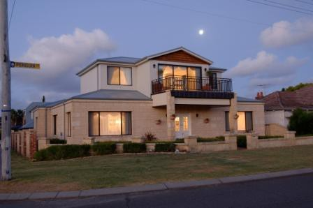 Holiday Apartments Perth - Accommodation Coffs Harbour