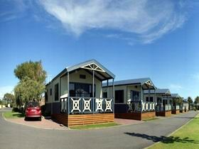 Discovery Holiday Parks - Adelaide Beachfront - Accommodation Coffs Harbour