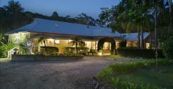 Noosa Valley Manor BampB Retreat - Accommodation Coffs Harbour