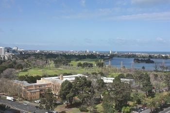 Apartments Melbourne Domain - South Melbourne - Accommodation Coffs Harbour