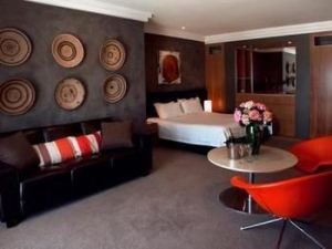 Hotel Ravesis - Accommodation Coffs Harbour