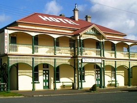 Imperial Hotel - Accommodation Coffs Harbour