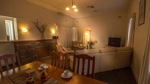 Benson House and Benson Lodge - Accommodation Coffs Harbour