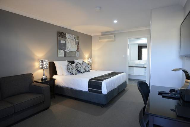 Aastro Dish Motor Inn - Accommodation Coffs Harbour
