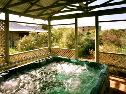 Rock of Ages Cottage BB - Accommodation Coffs Harbour