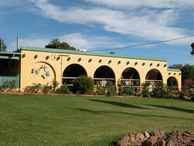 Tarcutta Halfway Motor Inn/Horse Hotel - Accommodation Coffs Harbour