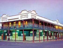 Hotel Corones - Accommodation Coffs Harbour