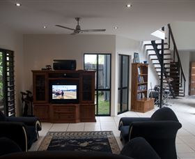 Dolphin Beach House - Accommodation Coffs Harbour