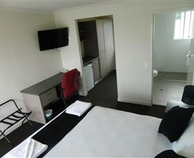 Dooleys Tavern and Motel Springsure - Accommodation Coffs Harbour